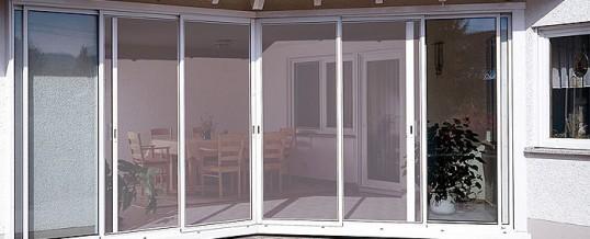 Tipos de mosquiteras para ventanas y puertas de aluminio y PVC