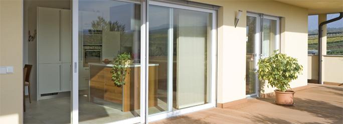 Sistema lignatec 200 y ventanas 3 en 1 aluminio madera y pvc for Infissi pvc leroy merlin